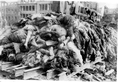 Германия. Неонацистам разрешили траурный марш в годовщину бомбардировки Дрездена
